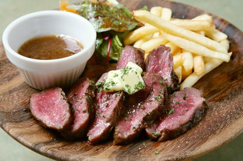 牛サガリのステーキ
